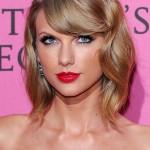 Taylor SwiftNose Job