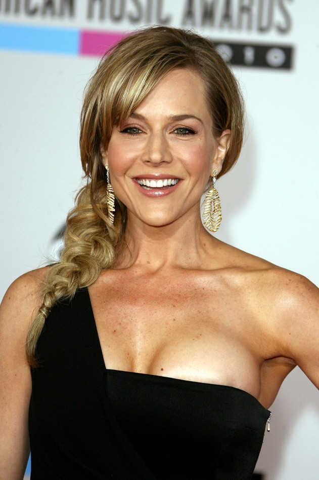 Julie Benz Plastic Surgery | Before and After breast implant